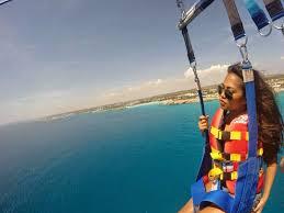 naik parasailing Berduaan di Bali
