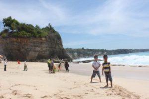 Anak - Anak di Dreamland Bali