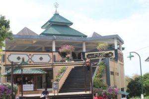 Masjid di Puja Mandala