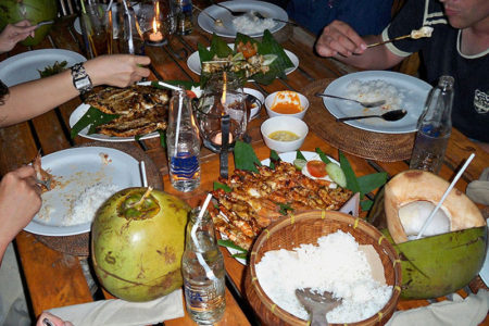 Hidangan makanan Seafood Jimbaran cafe Bali