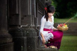 Bali pray