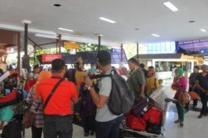 Di Airport Bali Baru keluar