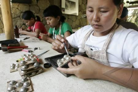 Pengerajin Perak Bali