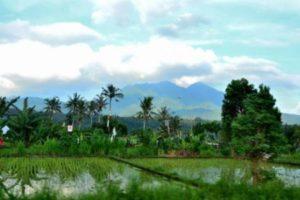 Pemandangan gunung di Bali 1