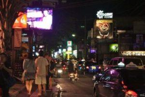 Jalan Jalan Malam Di Kuta Bali