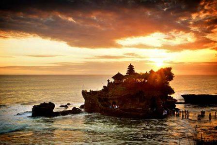Wisata Pura Tanah lot Bali