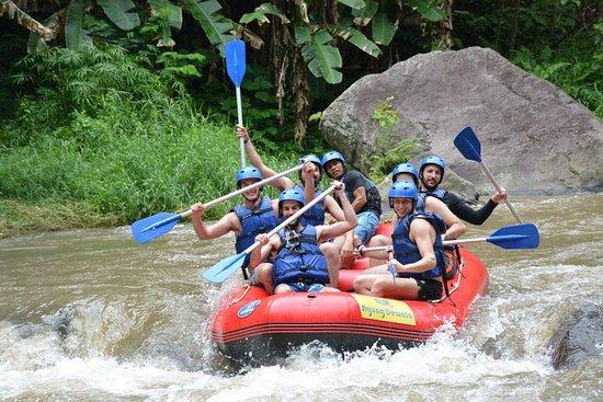 Rafting murah di telaga waja Bali