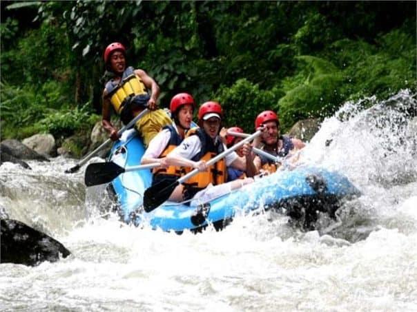 Harga wisata Rafting di Bali Murah Aktivitas air
