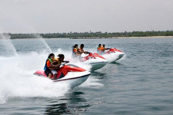 Jet ski di Tanjung Benoa Bali